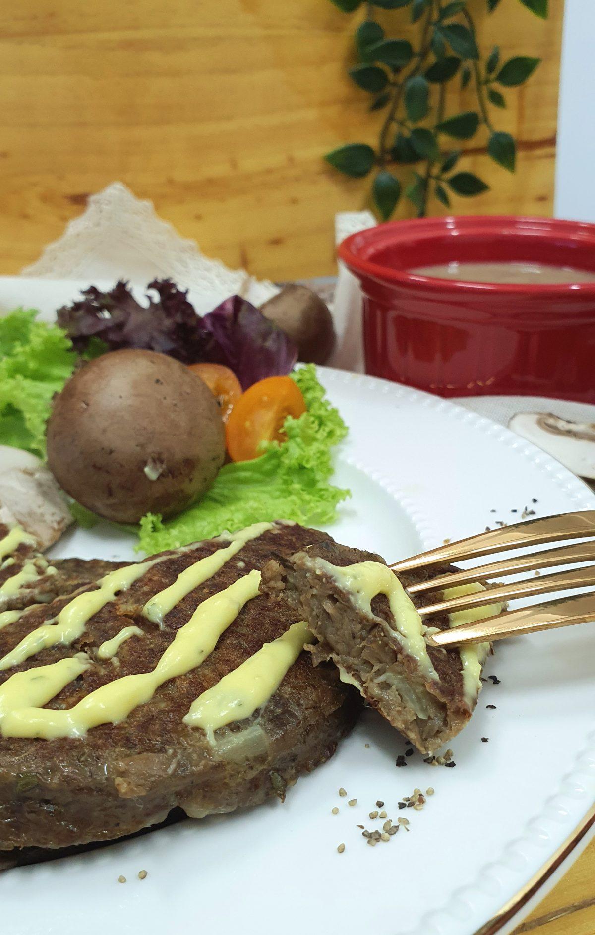 Korean-Mushroom-Patty-with-fresh-garlic-butter-spread